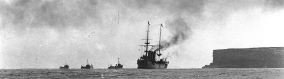HMAS Encounter am 4. Okt. 1913 (Foto Australian Navy)